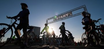 07/06/2015 - NEWS - Image from the start of the Wicklow 200 Cycle Ride in Greystones. Its a 200 Km's Non Competitive Ride which takes place around the roads of Wicklow and attracted 3000 entrants.   Picture Nick Bradshaw